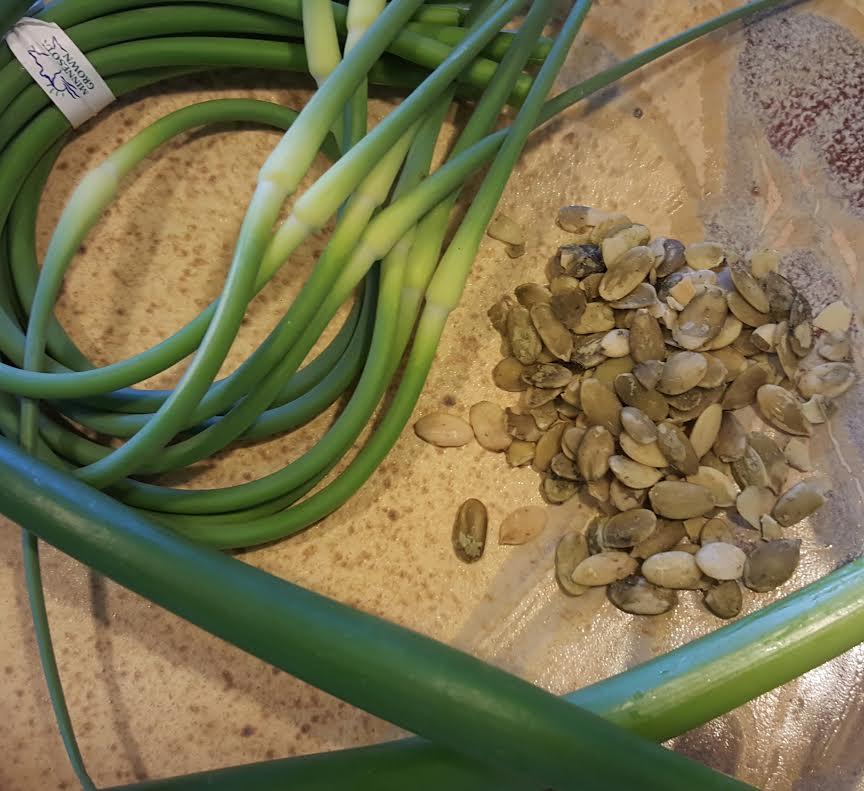 how to make garlic salt pumpkin seeds